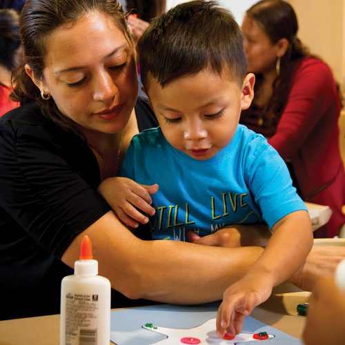A mother bonds with her child in the Bright Beginnings program. (Credit: Grace Place)